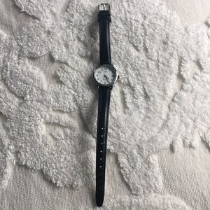 Thin Leather Watch, Screen lights up